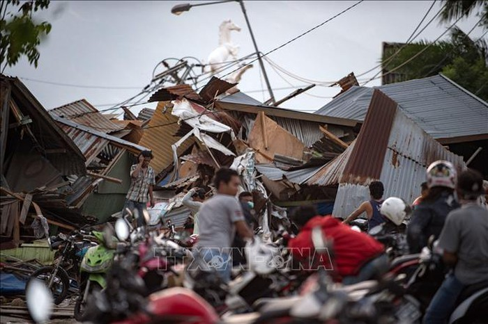 Indonésie : le bilan du séisme et du tsunami dépasse les 1200 morts - ảnh 1