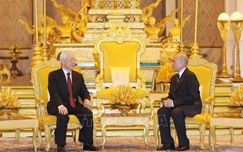 Nguyên Phu Trong termine sa visite d'État au Cambodge - ảnh 1