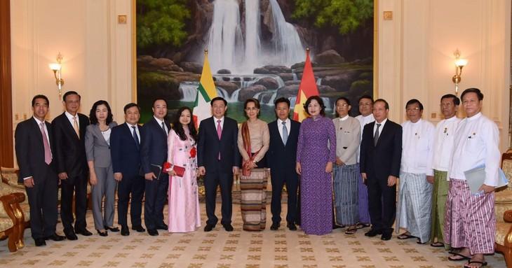 Renforcer l'amitié Vietnam-Myanmar - ảnh 2