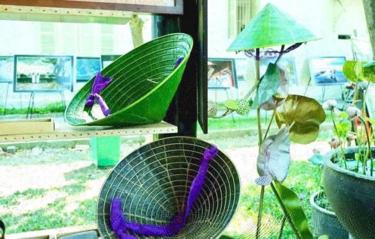 Nguyên Thanh Thao et les chapeaux coniques en feuille de lotus - ảnh 1