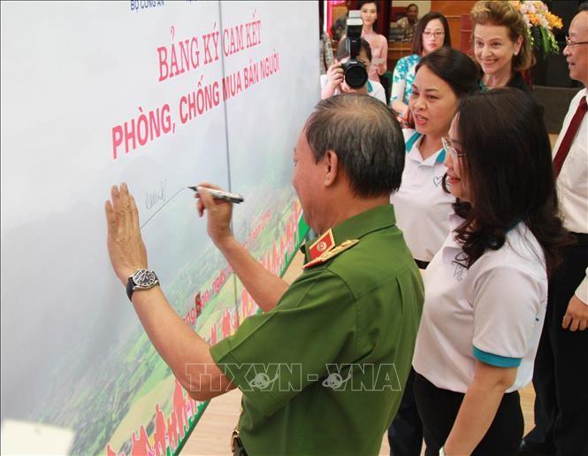 Lang Son : Meeting en écho à la Journée nationale de la lutte contre la traite d'êtres humains - ảnh 1