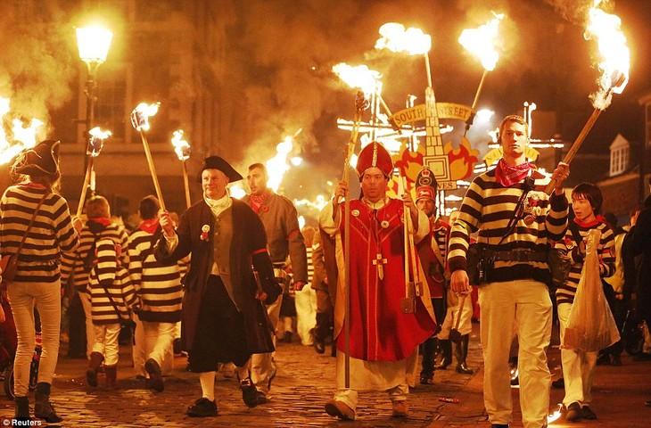Bonfire Night traditions in Britain - ảnh 4