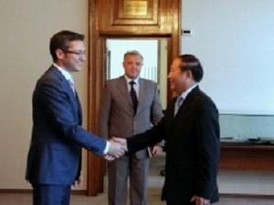 ブルガリア外相、ベトナム大使と会見 - ảnh 1