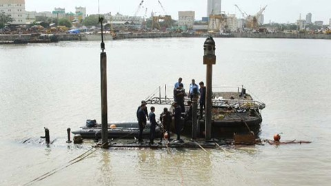 インド、潜水艦が爆発後に沈没 乗員18人死亡か - ảnh 1