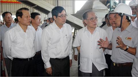 フン国会議長、アンザン省を訪れる - ảnh 1