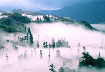 霧の中のサパで「炭火焼を味わう」 - ảnh 1