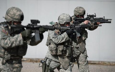 米地上部隊、限定派遣も 大統領が対「イスラム国」新決議案  - ảnh 1