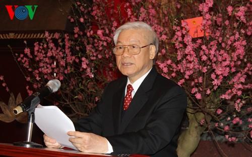 チョン書記長、党、国家の指導者にテトのお祝い - ảnh 1