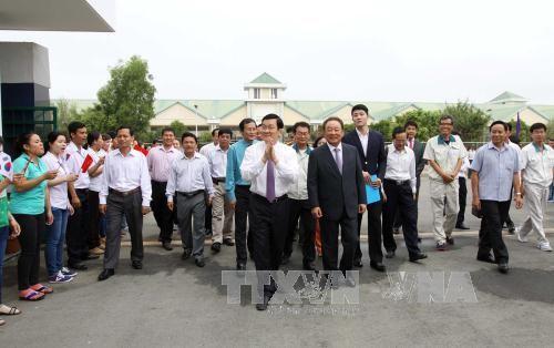サン国家主席、南部ティニン省を訪れる - ảnh 1
