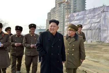 金第一書記、韓国・延坪島砲撃部隊を視察で満足 - ảnh 1