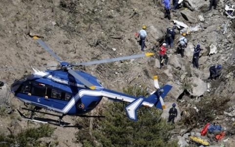墜落の独旅客機 フライトレコーダー発見 - ảnh 1