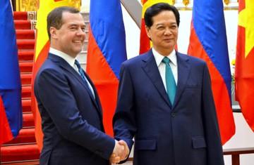 ロシアのメドベージェフ首相、ベトナム公式訪問を終える - ảnh 1