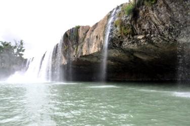 「奥さんの滝」ダクラク省 - ảnh 2