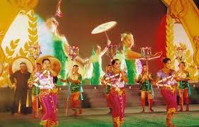 クメール族の正月チョルチョナムトメイを祝う様々な活動 - ảnh 1