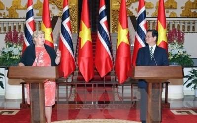 ノルウェー首相、ベトナム公式訪問を終える - ảnh 1