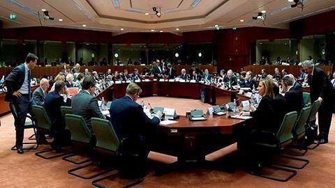 EU、対ロシア制裁の延長を決定 ロシア側も対抗 - ảnh 1