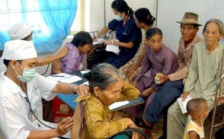 高齢者などへの政策実施状況監視報告案に意見を寄せる - ảnh 1