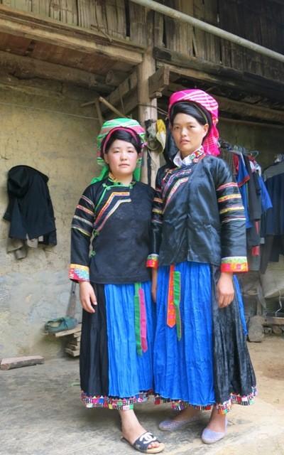 プペオ族の民族衣装とは? - ảnh 1