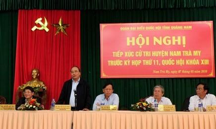 フック副首相、クアンナム省の有権者と会合 - ảnh 1