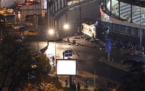 イスタンブールで爆発29人死亡 テロと非難 10人拘束 - ảnh 1