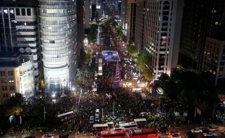 韓国 弾劾議案可決後初の集会「拘束すべき」厳しい声も - ảnh 1