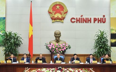 フック首相、ベトナムドンの安定化を求める - ảnh 1