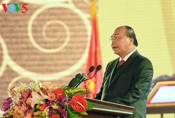 フック首相、バクニン省の施行185年記念式典に列席 - ảnh 1