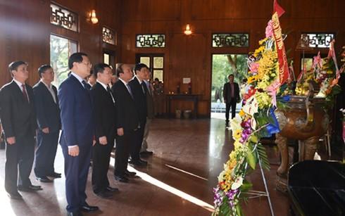 フック首相、キムリェン村にあるホーチミン主席の記念地区を訪れる - ảnh 1