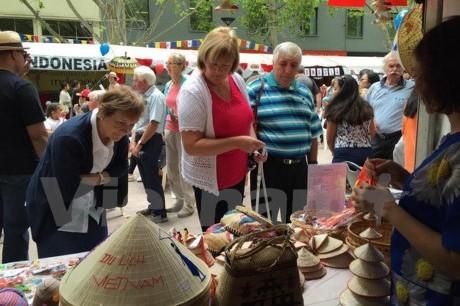 濠の多国家の文化祭りにおいて印象を与えた「ASEAN村」 - ảnh 1