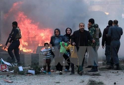 米軍がアフガンで「大規模爆風爆弾」を使用 - ảnh 1