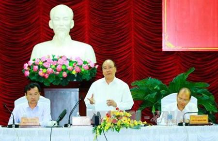 フック首相、ビントアン省を訪れる - ảnh 1