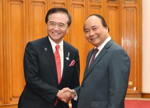 フック首相、神奈川県の黒岩知事と会見 - ảnh 1