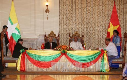 ベトナムとミャンマーとの全面的協力パートナー関係で共同声明 - ảnh 1