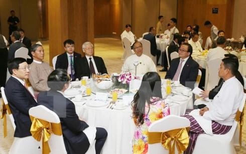 チョン書記長、ベトナム、及び、ミャンマーの一流企業の代表と会合 - ảnh 1