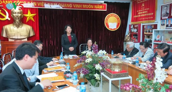 ティン国家副主席、ベトナム奨学協会と会合 - ảnh 1