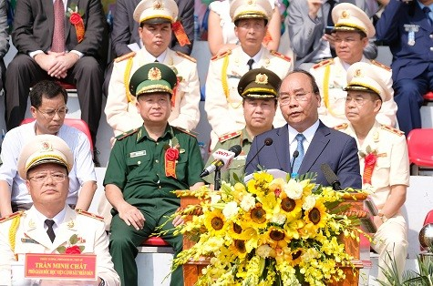 フック首相、人民警察学院創立50周年記念式典に出席 - ảnh 1
