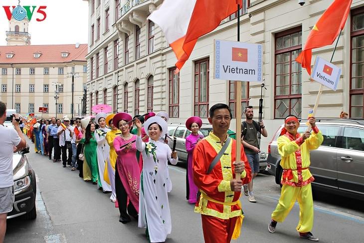 ベトナム、チェコの少数民族フェスタ2018に参加 - ảnh 1