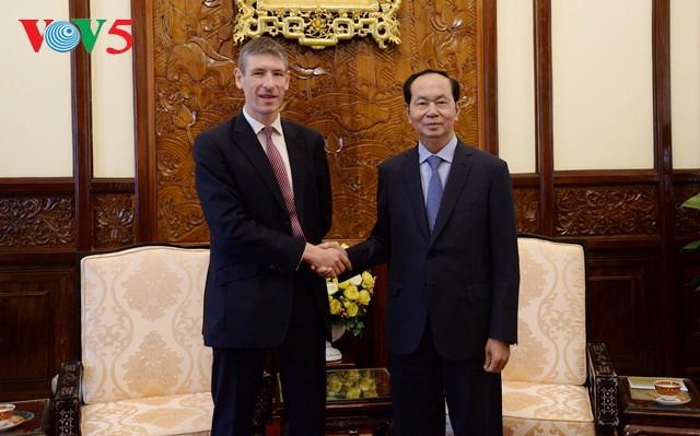 クアン国家主席、在越イギリス&オランダ大使らと会見 - ảnh 1