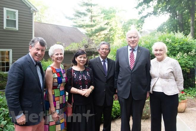 在アメリカベトナム大使、アメリカ側の代表らと会見 - ảnh 1