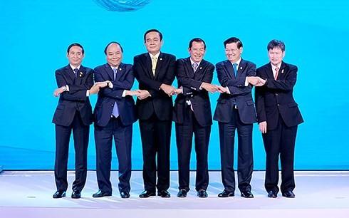 フック首相、第8回ACMECS首脳会議に出席 - ảnh 1