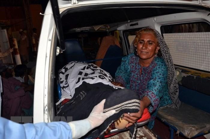 パキスタン 選挙集会狙ったテロ 死者128人に ISの犯行か - ảnh 1