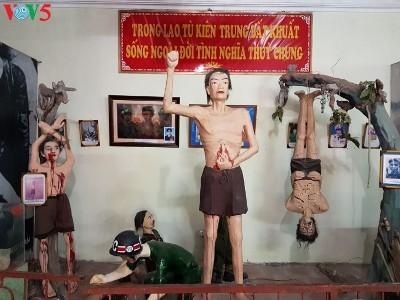 敵軍に投獄された革命戦士の博物館の訪れ - ảnh 2