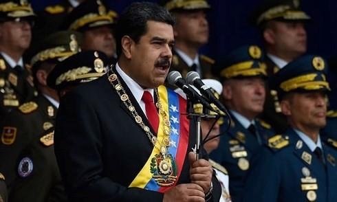 ベネズエラ大統領が演説中にドローン攻撃 兵士7人負傷 - ảnh 1