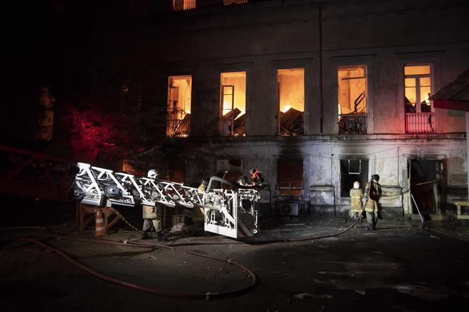 ブラジル博物館全焼 老朽化による漏電か 責任問うデモ拡大 - ảnh 1