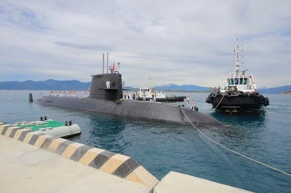 海上自衛艦「くろしお」カムラン湾に寄港 - ảnh 1