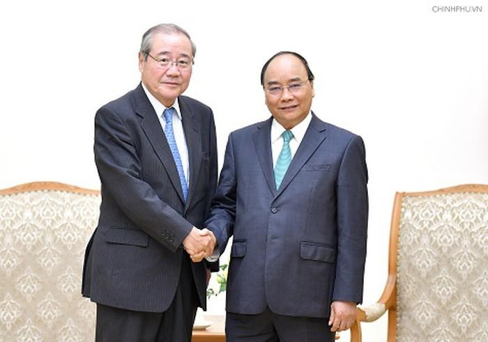 フック首相、三井住友フィナンシャルグループの会長と会見 - ảnh 1