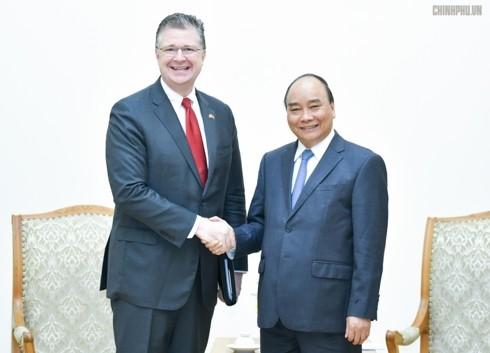 フック首相、在ベトナムアメリカ大使と会見 - ảnh 1