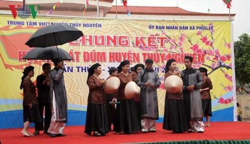 ハイフォンの伝統的民謡ハット・ドゥム( Hat dum)  - ảnh 1