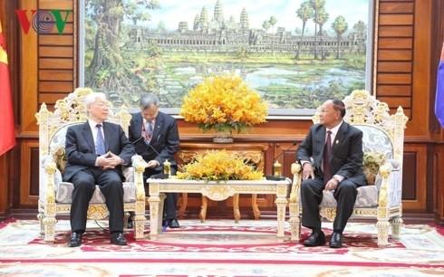 チョン氏、カンボジア上下両院の議長と会見 - ảnh 1