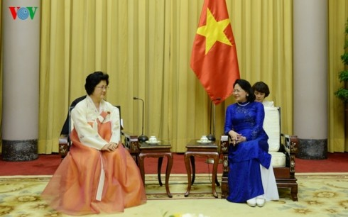 ティン国家副主席、朝鮮・ベトナム友好協会の代表団と会見 - ảnh 1